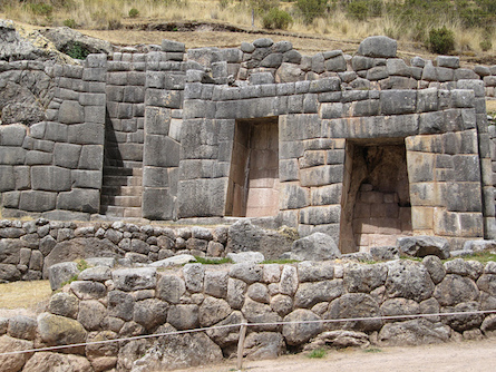 The Mysterious Ruins of the Sacred Valley of Peru: Ñaupa Iglesia Peru-Tambomachay